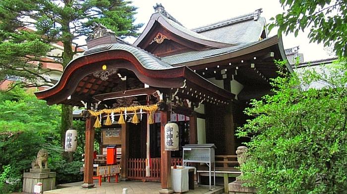 魔王杉がある京都の熊野神社