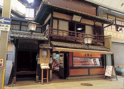 京都の老舗すき焼きや『三嶋亭』