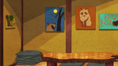 狸の絵がたくさんある菖蒲池画伯の画廊兼食堂