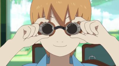 二代目からもらった飛行眼鏡を嬉しそうにつける矢四郎