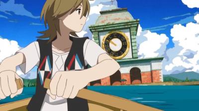 弁天が待つ時計台の建物に向かってボートをこぐ矢三郎