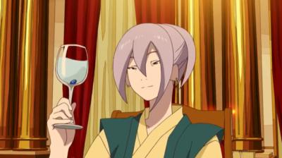龍石をグラスに入れ微笑む弁天