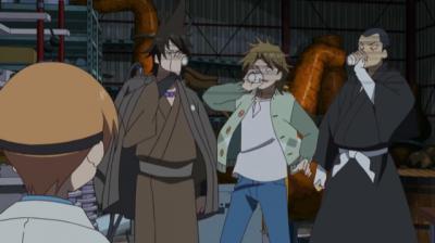 矢四郎作の不味い偽電気ブランを飲む矢一郎と矢三郎と呉一郎