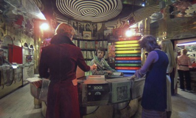 時計じかけのオレンジのレコード屋の店内